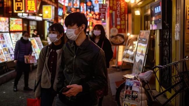 Tercatat sudah ada lima orang yang meninggal akibat virus corona di Jepang. (Photo by Philip FONG / AFP)