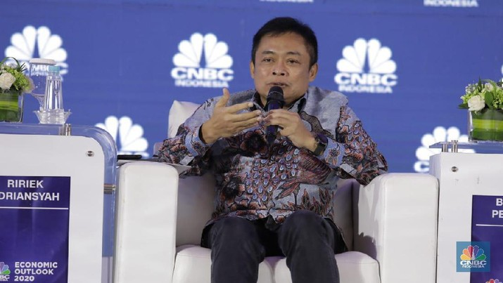 Data center tersebut, tidak hanya akan dibangun di sekitar wilayah Jakarta saja tetapi juga akan dibangun di daerah-daerah lain juga.