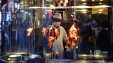 Jepang menjadi negara kedua yang memiliki kasus virus corona terbanyak setelah China. (Photo by Philip FONG / AFP)