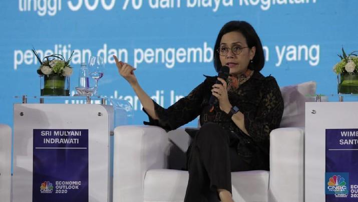Menteri Keuangan Sri Mulyani di acara CNBC Indonesia Economic Outlook 2020 di The Ritz Carlton Ballroom, Pasific Place, Jakarta, Rabu 26/2/2020. (CNBC Indonesia/Tri Susilo)