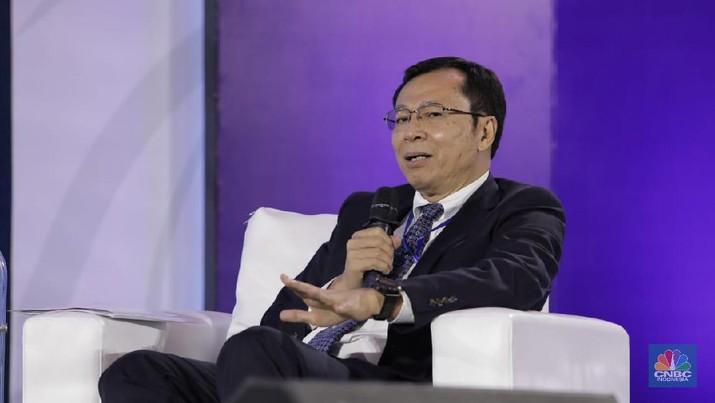 Komisaris Independen BCA Raden Pardede (CNBC Indonesia/Tri Susilo)