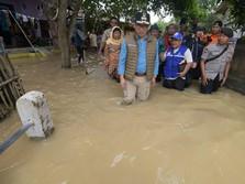 Mendarat di Bandung, Ridwan Kamil Luncur Tinjau Banjir Subang