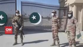 VIDEO: Pakistan Tutup Perbatasan Dengan Iran Karena Corona