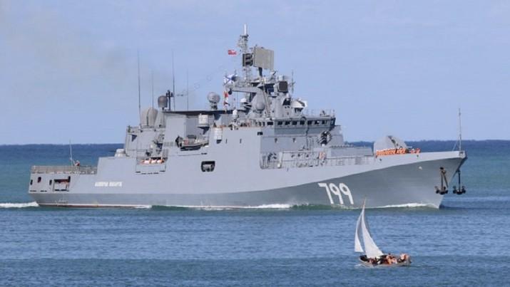Kapal perang Admiral Makarov milik Angkatan Laut Rusia. (Kementerian Pertahanan Rusia)
