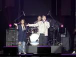 Rizky Febian Ajak Duet Penggemar di BNI Java Jazz Festival