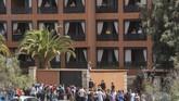Sebanyak 23 tamu Hotel H10 Costa Adeje Palace di Tenerife, Spanyol, dikarantina karena virus corona. (AFP/DESIREE MARTIN)