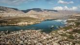 Bendungan Ilisu Dam dibangun dekat kota tersebut membendung Sungai Tigris di tenggara Turki. Proyek itu telah disetujui oleh Pemerintah Turki pada 1997 demi menghidupkan listrik di kawasan tersebut. (BULENT KILIC / AFP)