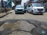 Help Mas Anies! Banyak Jalan Rusak di Kelapa Gading Nih