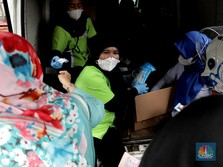 Peringatan MUI: Borong Masker Hingga Sembako Haram!