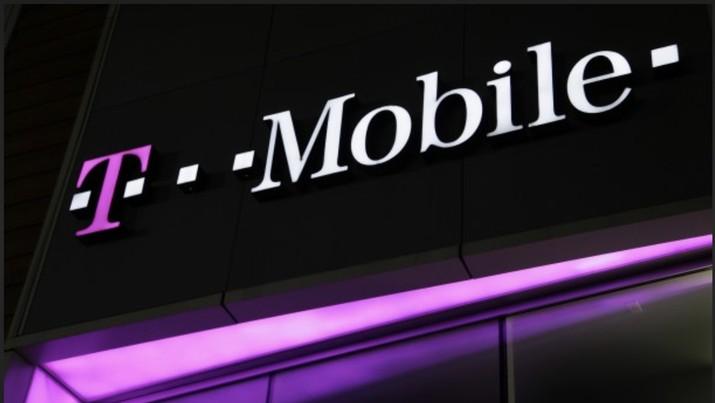 T-Mobile melawan virus corona COVID-19 dengan membuat imbauan ke karyawannya untuk mengurangi pelukan, cipika-cipiki atau cium pipi dan tos (high five).