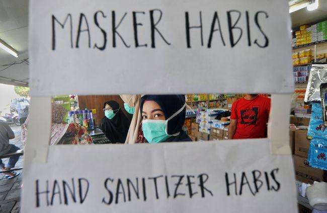 Lockdown Jakarta, 'Surga' si Kaya dan Neraka Kaum Miskin