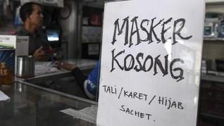 Pembagian Masker Gratis Bikin Lalu Lintas Macet di Ambon