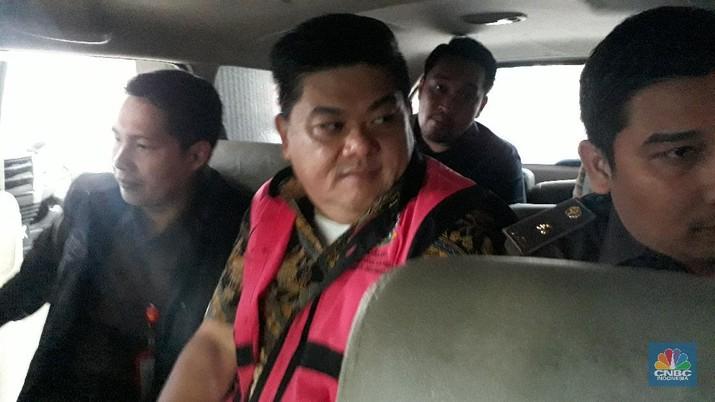 Komisaris Utama PT Trada Alam Minera Tbk (TRAM) Heru Hidayat kembali diperiksa.