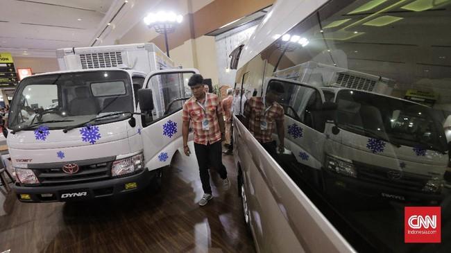 Suasana stan Toyota di GaikindoIndonesia International Commercial Vehicle Expo (Giicomvec) di JCC, Senayan, Jakarta, Kamis (5/3).