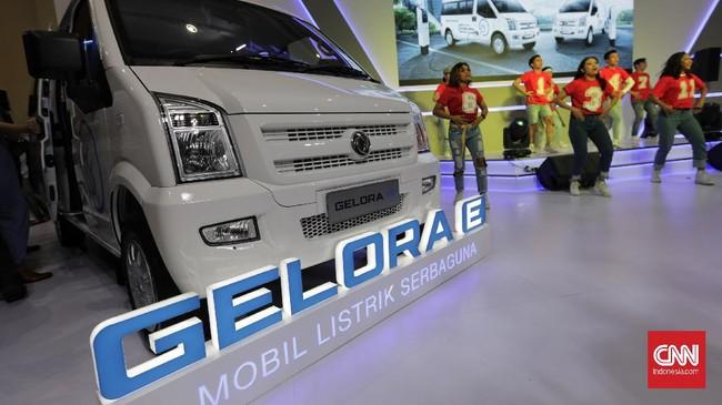 Gelora E terlahir dalam dua varian yaitu van dan blind van. Keduanya dibekali motor listrik bertenaga baterai yang mampu menghasilkan tenaga sebesar 30 kWh dengan torsi maksimum 80 Nm. (CNN Indonesia/Adhi Wicaksono)