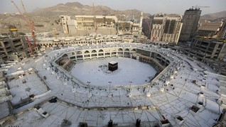 Saudi Larang Warga Mekah dan Madinah Bepergian 24 Jam