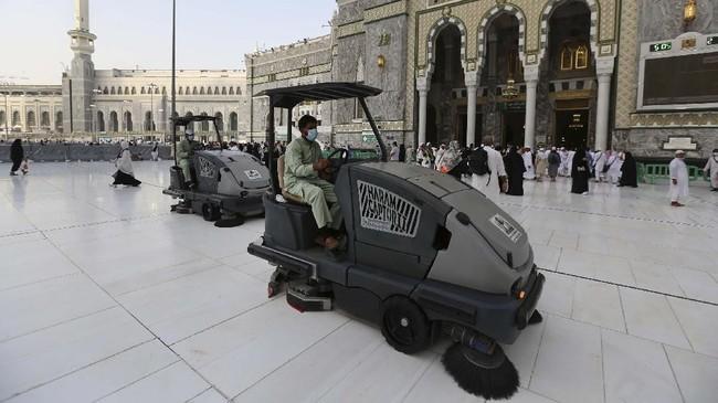 Selain Masjidil Haram dan Masjid Nabawi (termasuk Raudah dan taman pemakaman Al Baqi') beberapa situs haji dan umrah lain juga ikut ditutup.(ABDEL GHANI BASHIR / AFP)