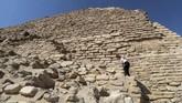 Pemerintah Mesir pekan ini membuka kembali Piramida Djoser, salah satu yang paling awal dibangun dalam sejarah kuno negara itu, setelah bertahun-tahun direnovasi. (Mohamed el-Shahed / AFP)