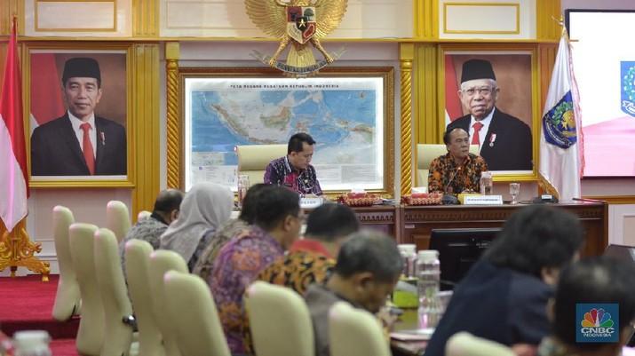 Kementerian Dalam Negeri mengajak kepada lembaga think thank untuk melakukan evaluasi pilkada secara konperhensif dan obyektif.