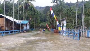 Banjir Terjang Teluk Bintuni, Ratusan Warga Mengungsi