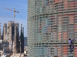 'Spiderman' Panjat Gedung 144 Meter Demi Lawan Virus Corona