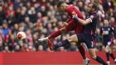 Penyerang Liverpool Roberto Firmino melepaskan tendangan. Liverpool dibuat kesulitan oleh Bournemouth di awal-awal pertandingan. (AP Photo/Jon Super)
