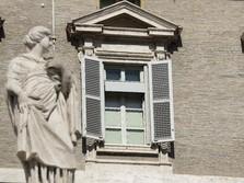 Misteri Wanita Diduga Simpanan Petinggi Vatikan, Dapat Rp 8 M