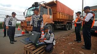 Kemehub 'Sindir' Ban Truk ODOL di Indonesia Terkuat di Dunia