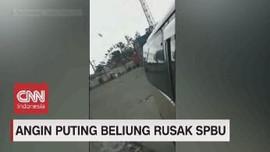 VIDEO: Angin Puting Beliung Terjang SPBU & Rumah Warga