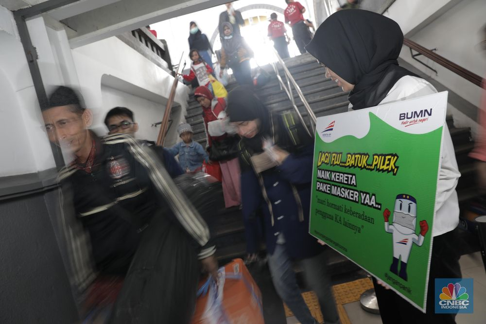 PT KAI mengimbau bagi warga yang mengalami gejala flu, batuk, dan pilek agar menggunakan masker saat menaiki kereta.