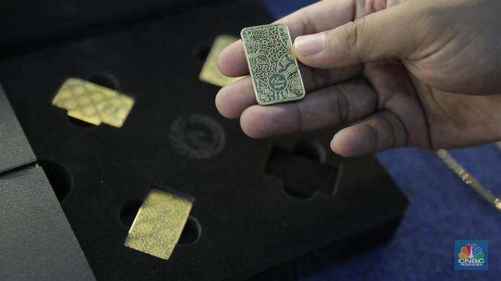 Harga emas logam mulia acuan yang diproduksi PT Aneka Tambang Tbk (Antam) pada perdagangan Jumat ini (3/4/2020) melesat 2,99%.
