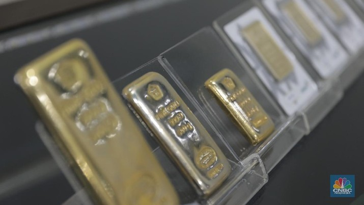 Harga emas logam mulia acuan yang diproduksi Antam Selasa (24/3/2020) naik 3,69% sebesar Rp 30.000 menjadi Rp 842.000/gram.