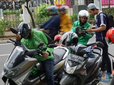 Ingat! Ini New Normal Naik Grab & Gojek Cs
