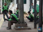 Ramai Aksi Order GoFood & GrabFood Buat Driver Ojol