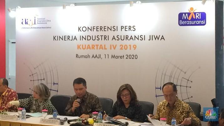 Konfrensi Pers Kinerja Industri Asuransi Jiwa oleh Asosiasi Asuransi Jiwa Indonesia (AAJI). (CNBC Indonesia/Syahrizal Sidik)