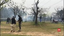 VIDEO: Detik-detik Pesawat Tempur Pakistan Jatuh