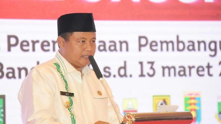 Wakil Gubernur Jawa Barat (Jabar) Uu Ruzhanul Ulum saat menghadiri Rapat Koordinasi Teknis Perencanaan Pembangunan (Rakortekrenbang) Tahun 2020 Regional 2 di Hotel Grand Aquilla, Kota Bandung, Selasa (10/3/20). (Foto: Humas Jabar)