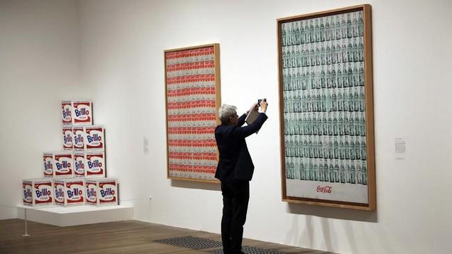 Andy Warhol dikenal sebagai salah satu seniman terbaik di abad ke-20. (AP Photo/Matt Dunham)