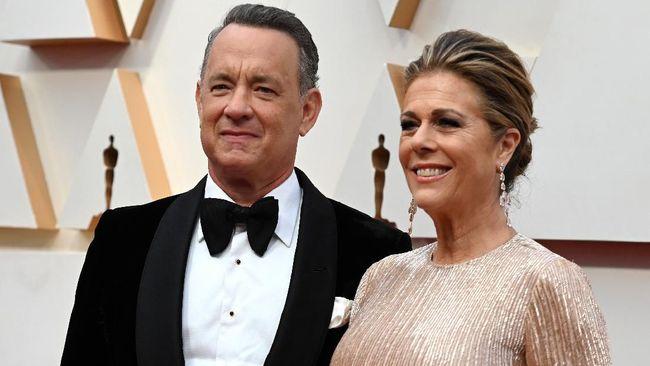 Keluar dari RS, Tom Hanks dan Istri Karantina Diri Sendiri