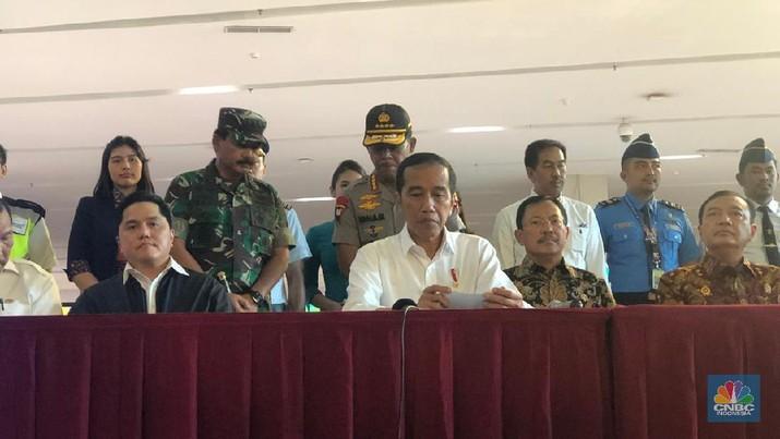 Presiden Jokowi memberikan penjelasan terkini soal penanganan corona di Indonesia.