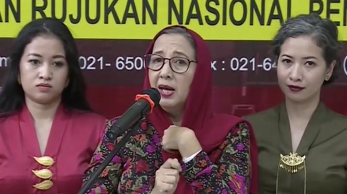 Jokowi memberikan hadiah jamu ke pasien-pasien corona yang sudah dinyatakan sembuh