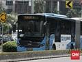 TransJakarta: Lebih Baik Antre Ketimbang Berdesakan di Bus