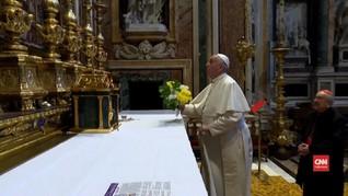 VIDEO: Paus Fransiskus Berdoa di Roma Agar Corona Berakhir