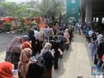Penumpang Chaos, Anies Normalkan Jadwal Operasional MRT & TJ