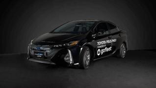 Mobil Hybrid Toyota Prius Jadi Taksi Online