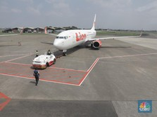 Terbang ke Makassar, Wanita Ini Melahirkan di Atas Pesawat