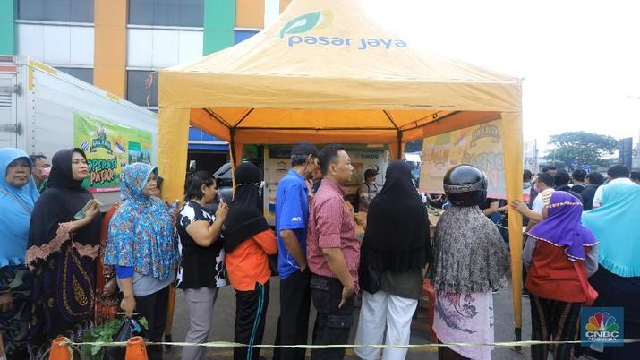 PD Pasar Jaya melakukan antisipasi penyebaran virus corona atau COVID-19 di 155 pasar di DKI Jakarta.
