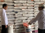 Jokowi Diam-Diam ke Gudang Bulog, Ngapain Ya?