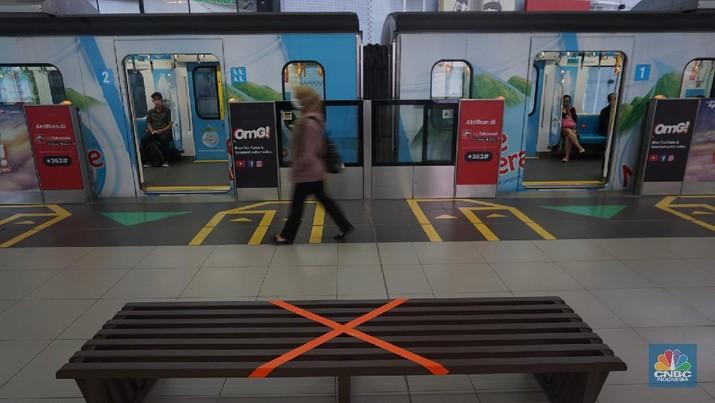 Mengintip Social Distancing di Kereta Milik MRT Jakarta