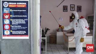 Cegah Corona, Polisi Semprotkan Disinfektan di Cimahi-Cianjur
